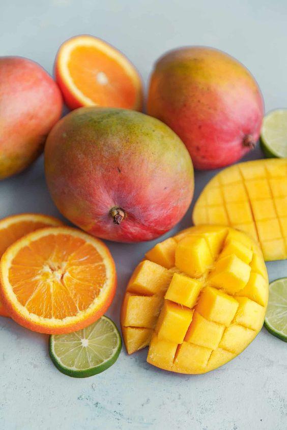 خرید میوه های استوایی: انبه مصری
